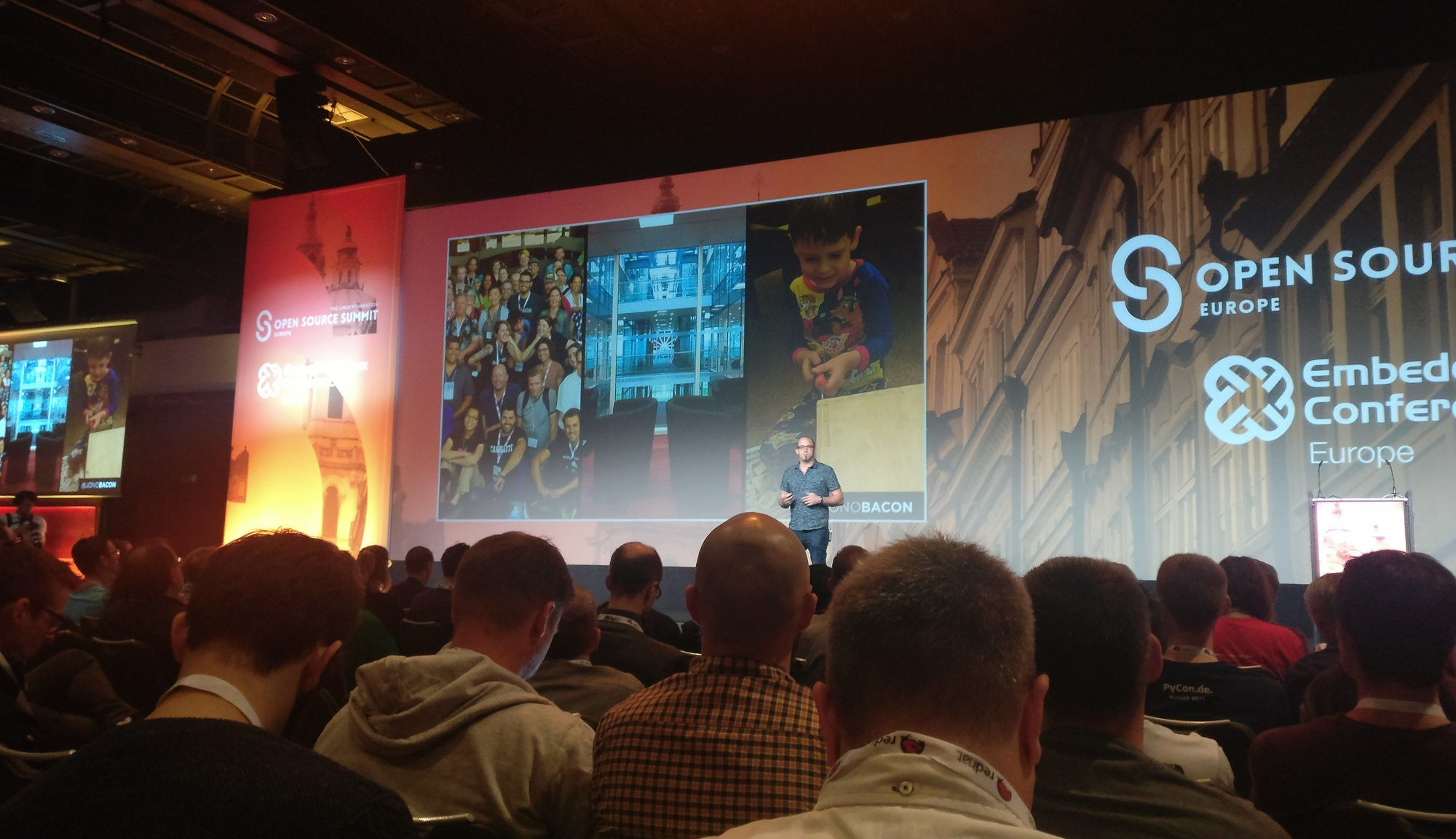 Jono Bacon at Open Source Summit showing a photo of me!